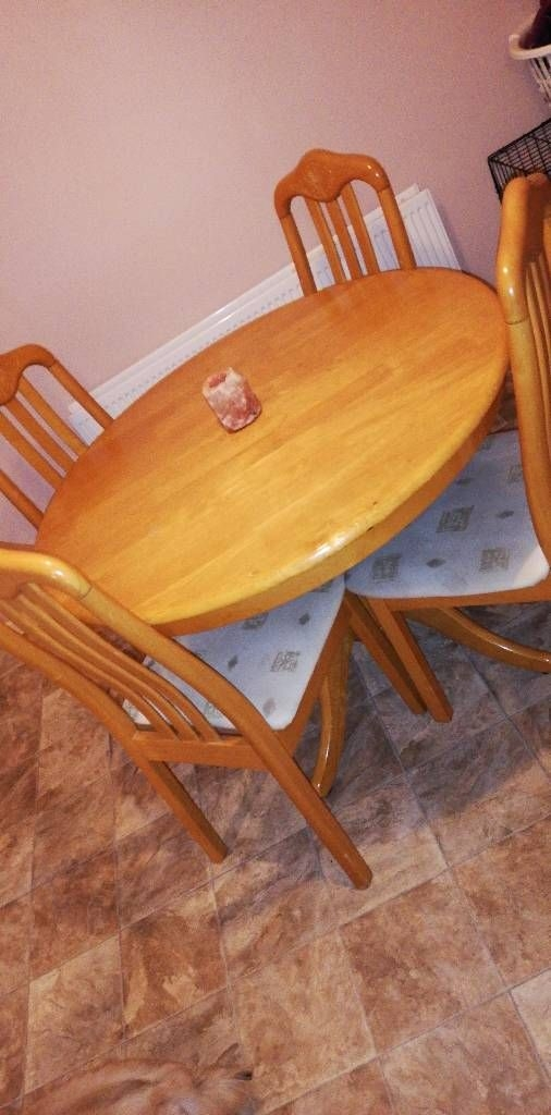 Pine tables an chairs