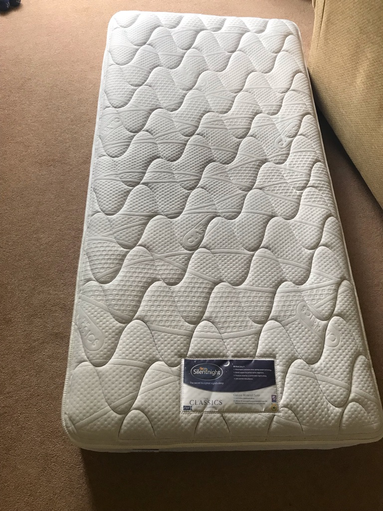Great condition 'Silent Night' single mattress for sale
