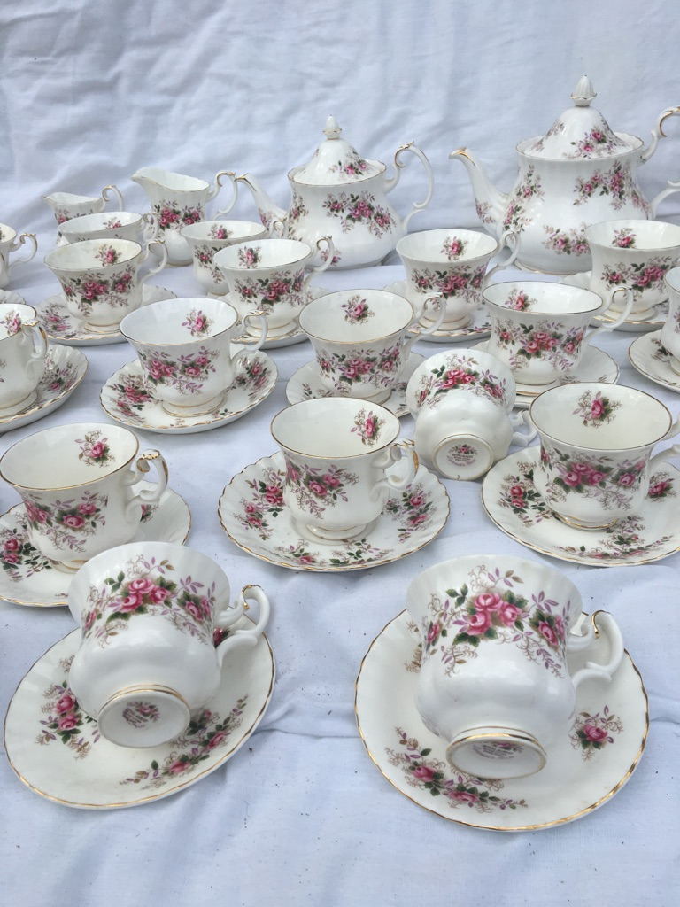 Vintage Royal Albert Lavender Rose tea service 206 pieces