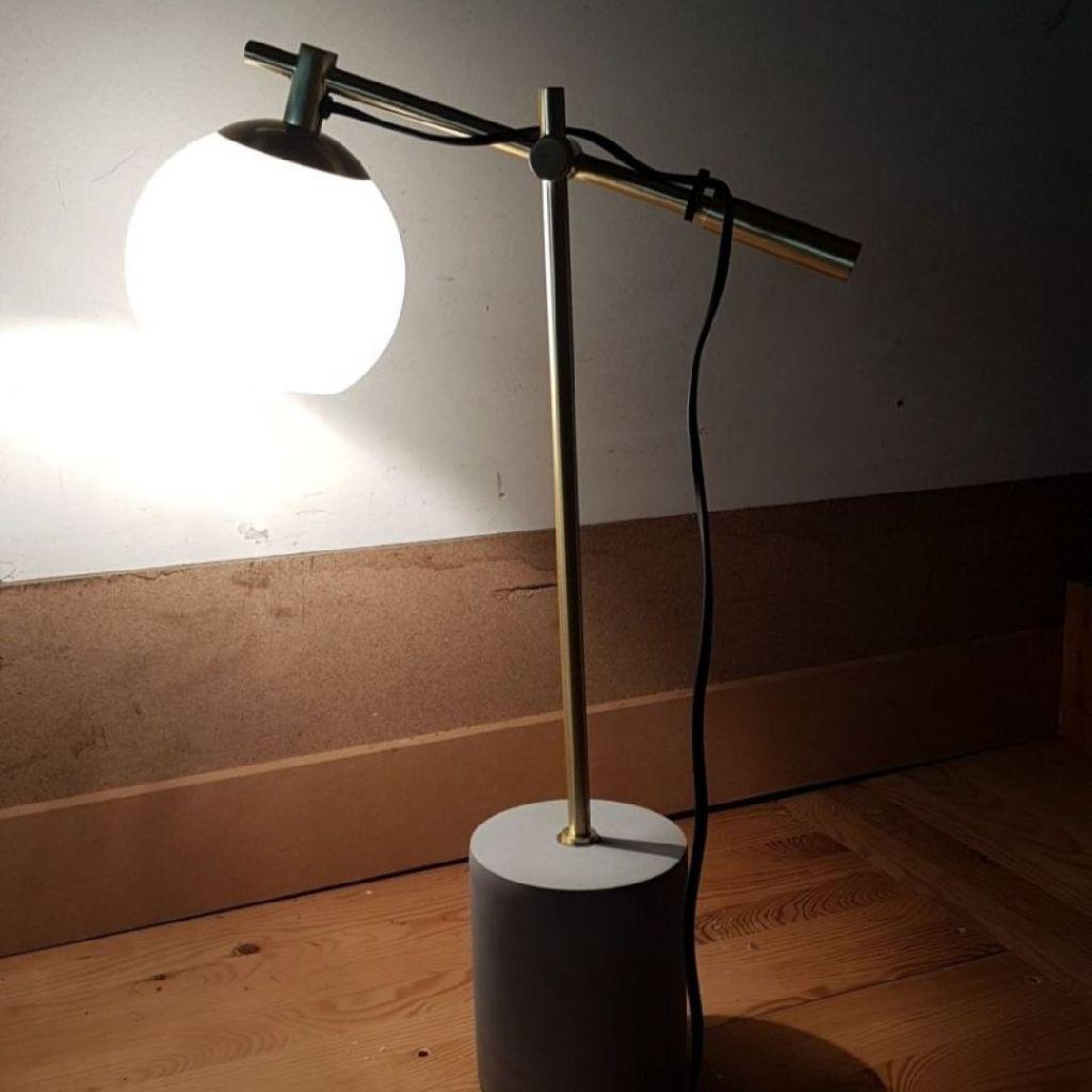 Tabl lamp