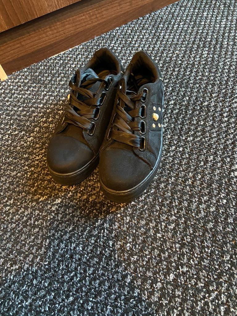 Krush shoes