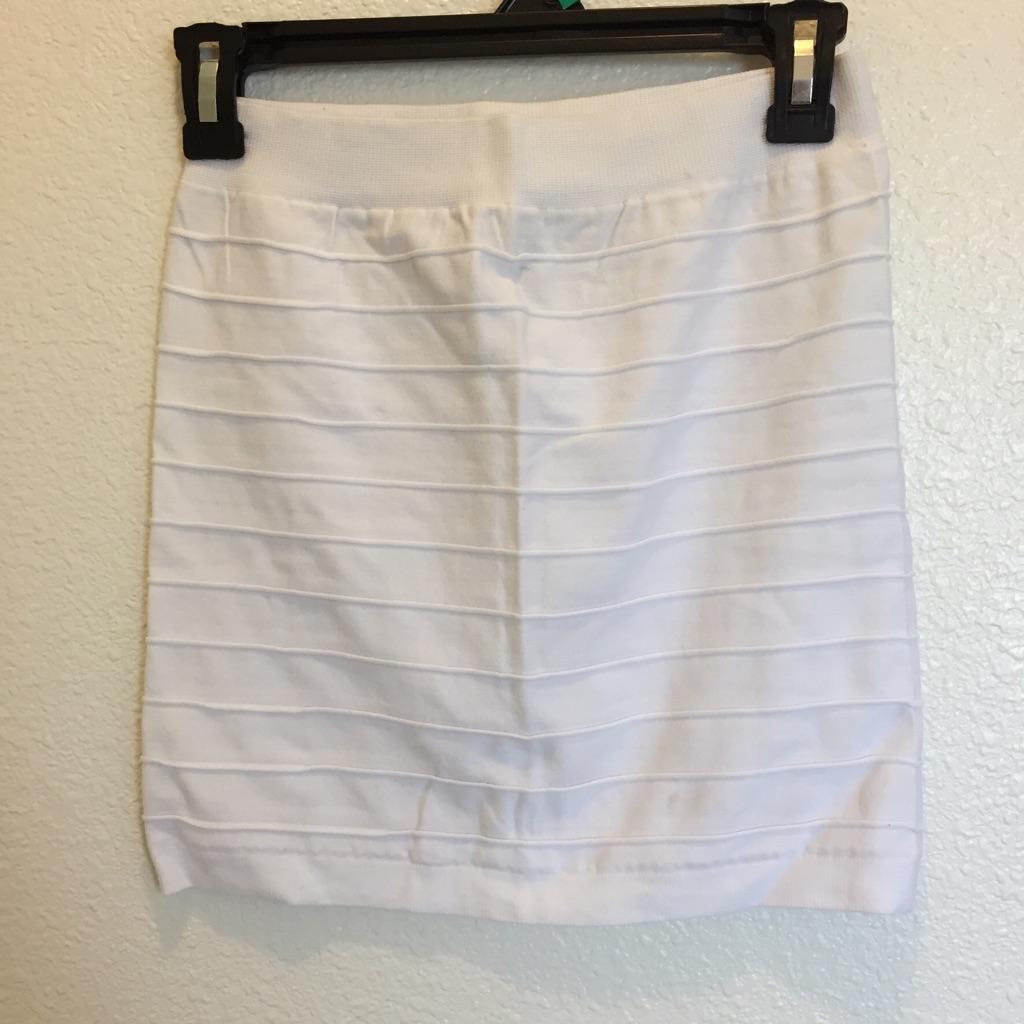 White stretch to fit mini skirt