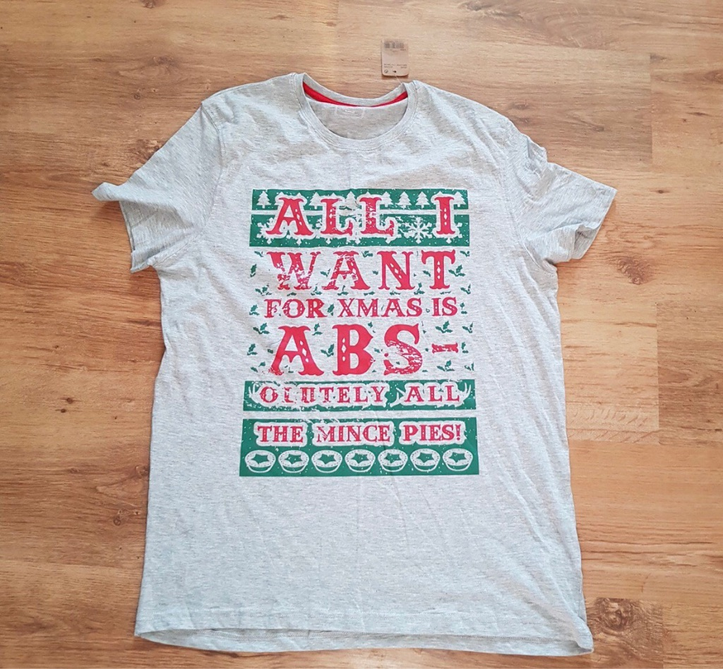 Men's Christmas t shirt size XL