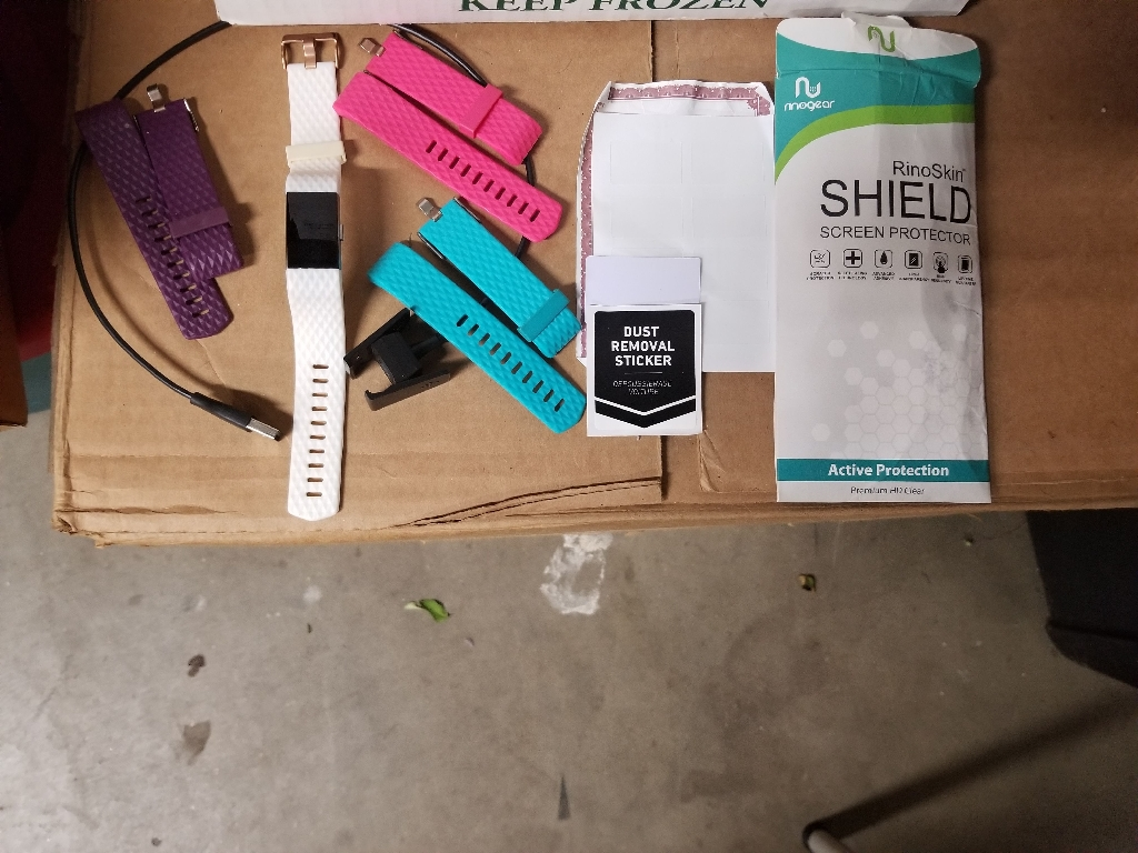 Fitbit Charge 2 w/ 4 bands & 7 screen protectors