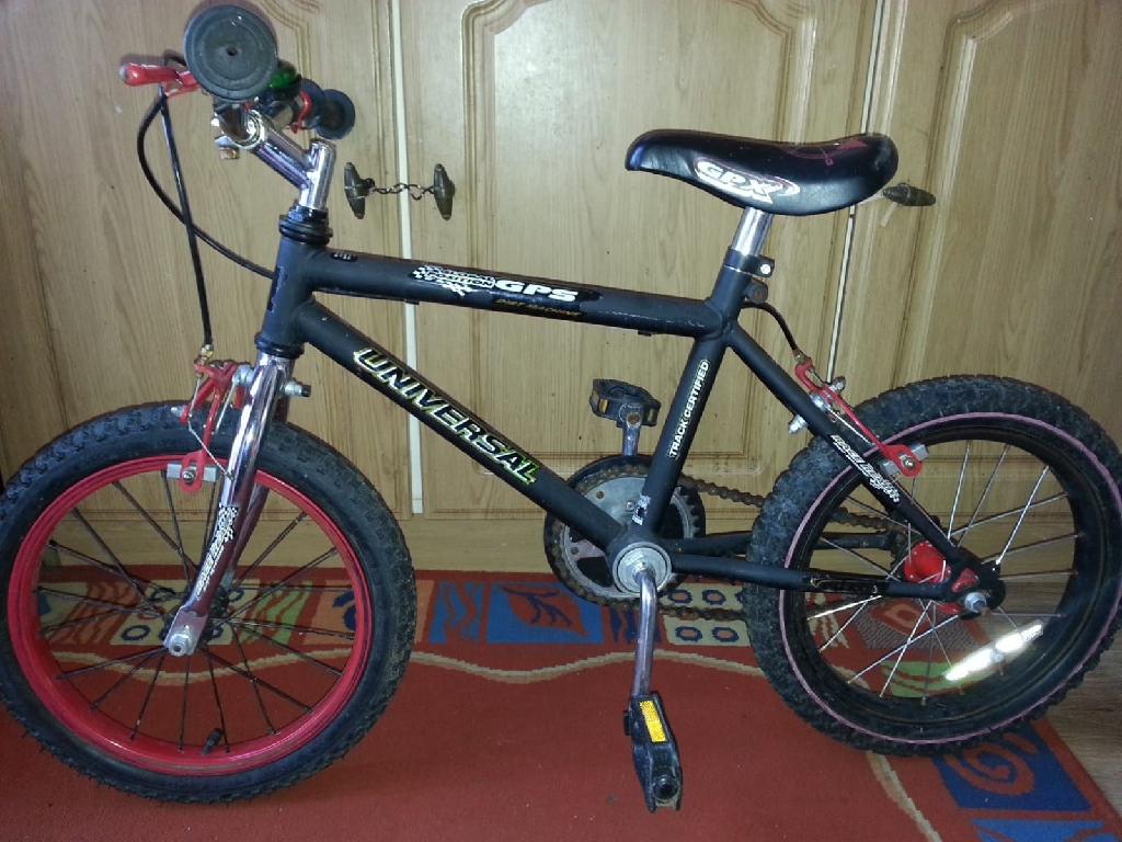 Black children's bike .See picture for make