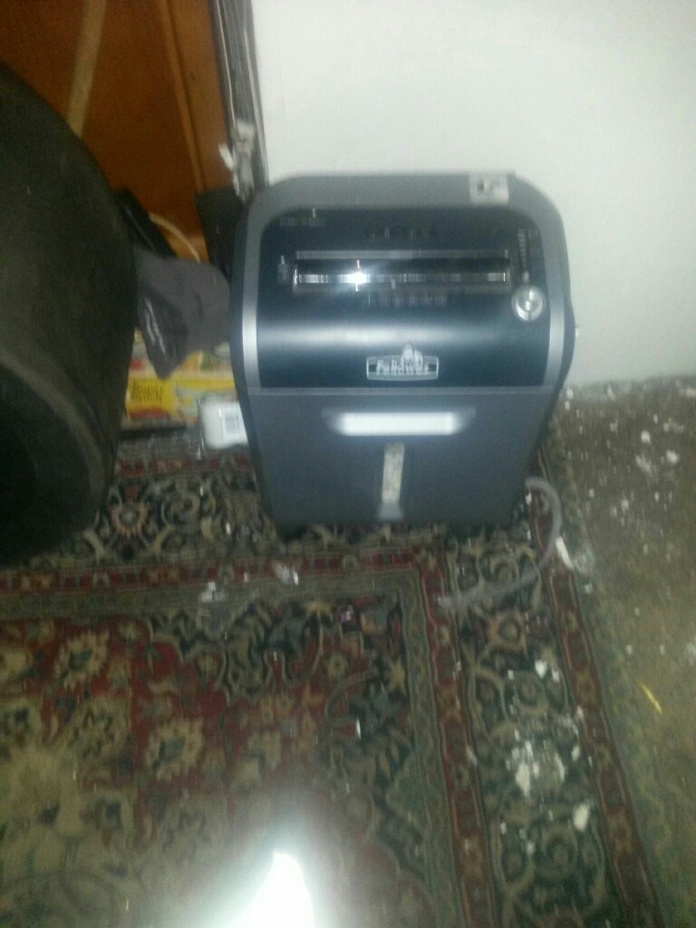 motion sensored paper shredder