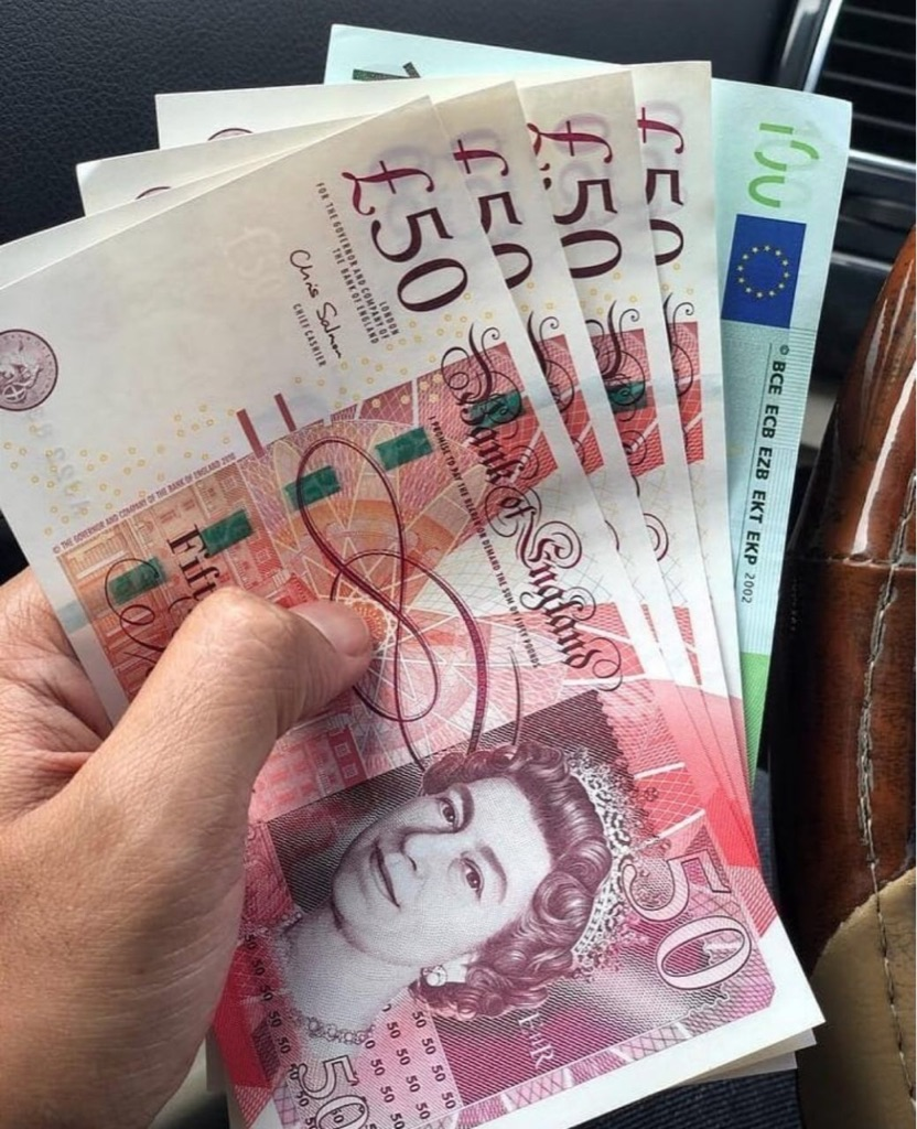 £50 note playing money