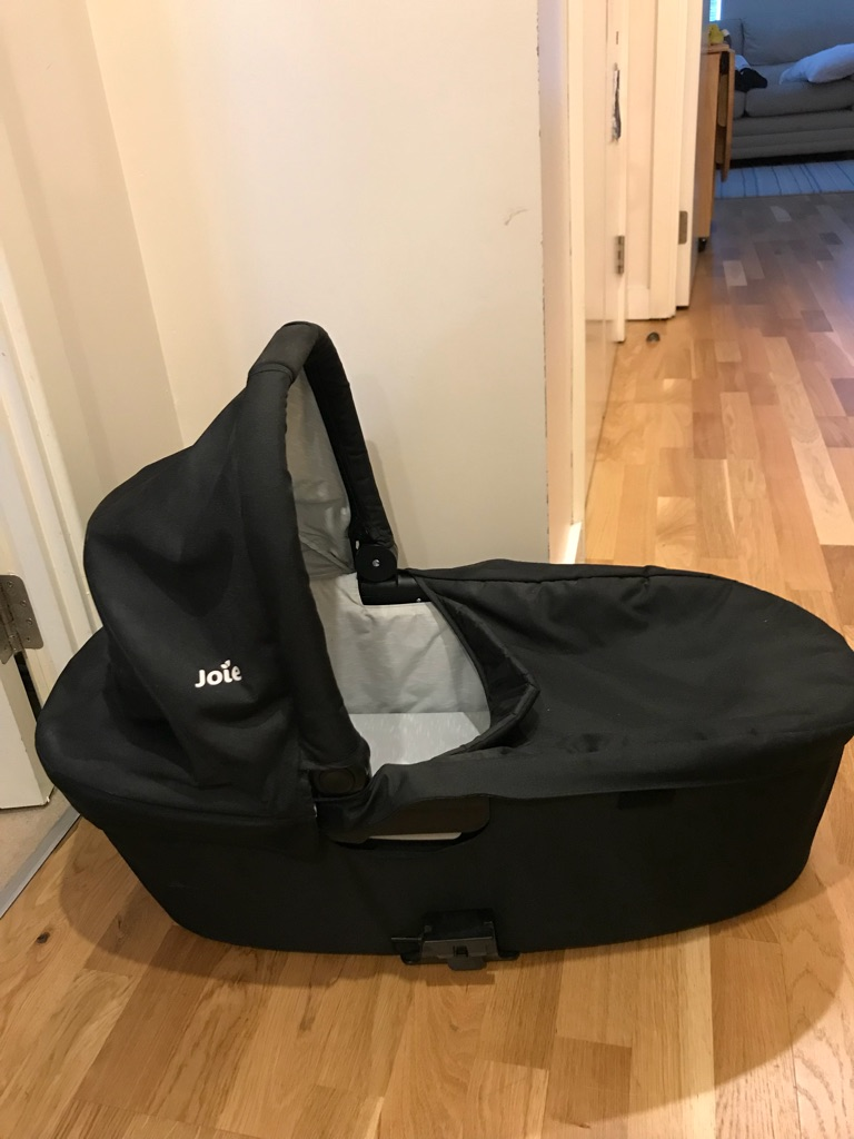 Joie Travel System + Isofix base