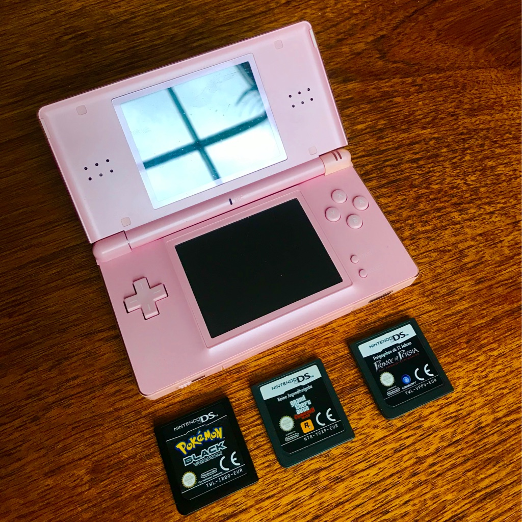 Nintendo DS Pink + 3 games