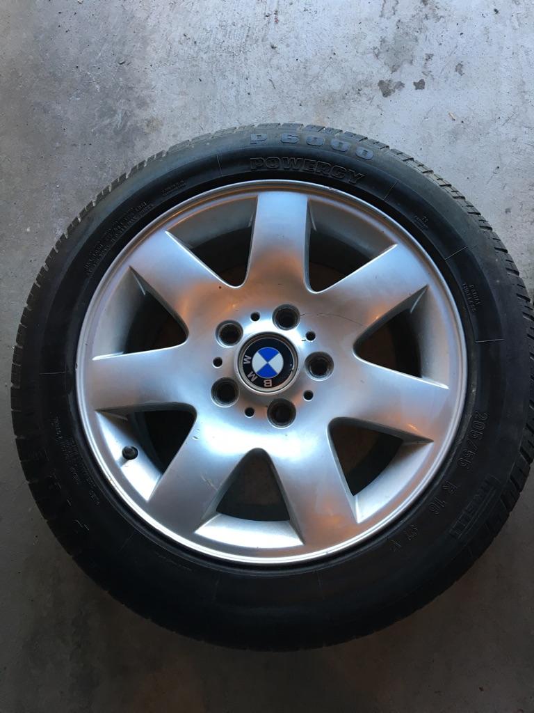 2 BMW Alloy wheels