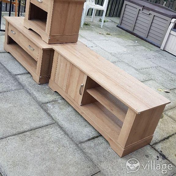 New three piece set £325
