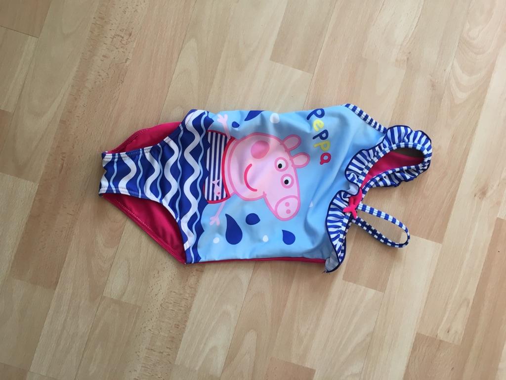 Peppa pig costume 4 to 5 years