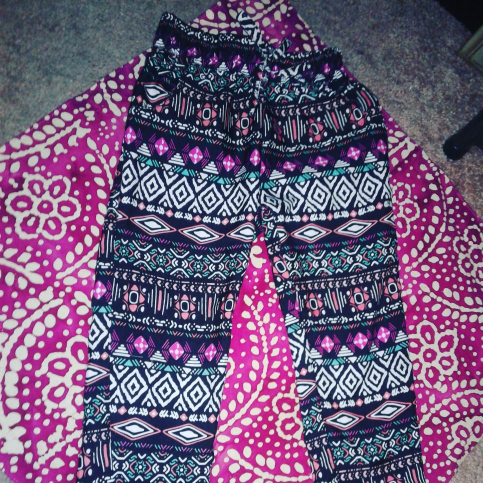 SUPER CUTE LIGHT & AIRY HIPPIE PRINT PANTS TODDLER GIRLS SIZE 4T BRAND NEW! NEVER WORN! $7 OBO