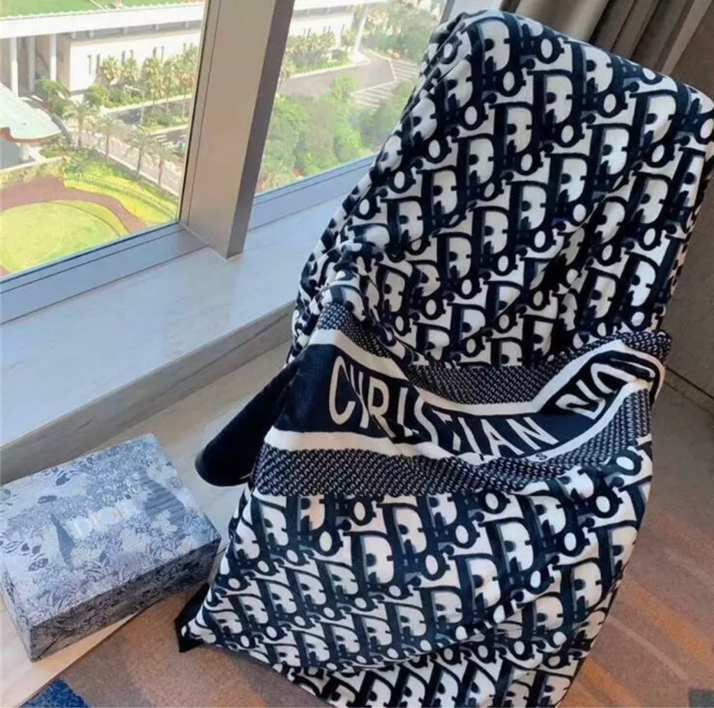 Inspired design D-ior blanket 150x200cm