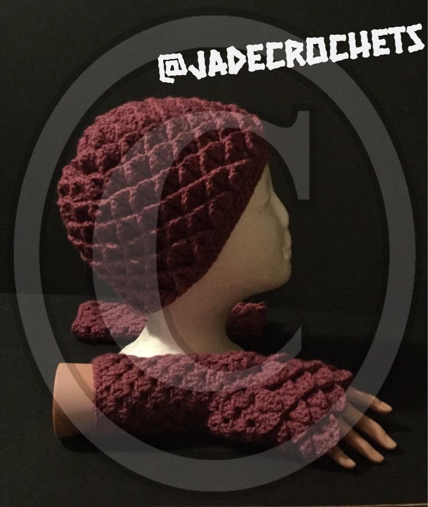 Crochet hat and gloves set