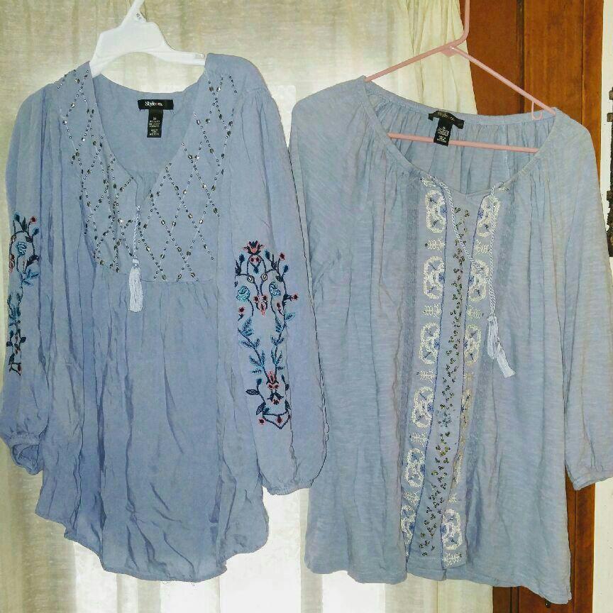 2 women's light blue fashion tops size XL