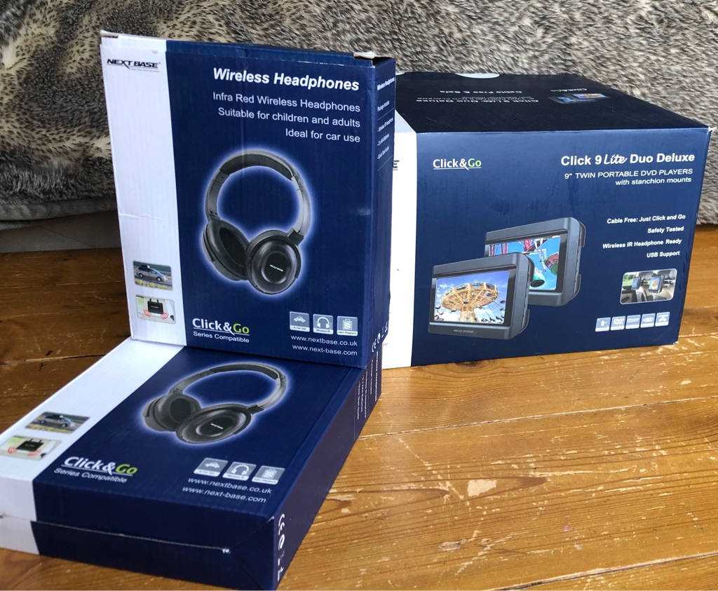 Nextbase twin car dvd with 2 wireless headphones + 30 DVD's