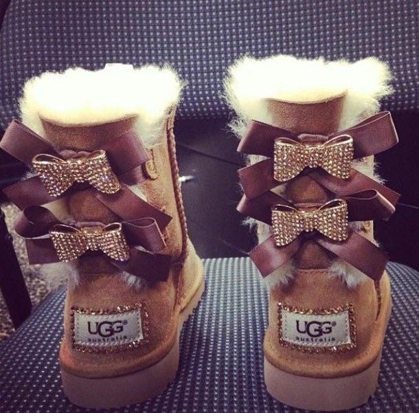 Bow ugg boots size 5