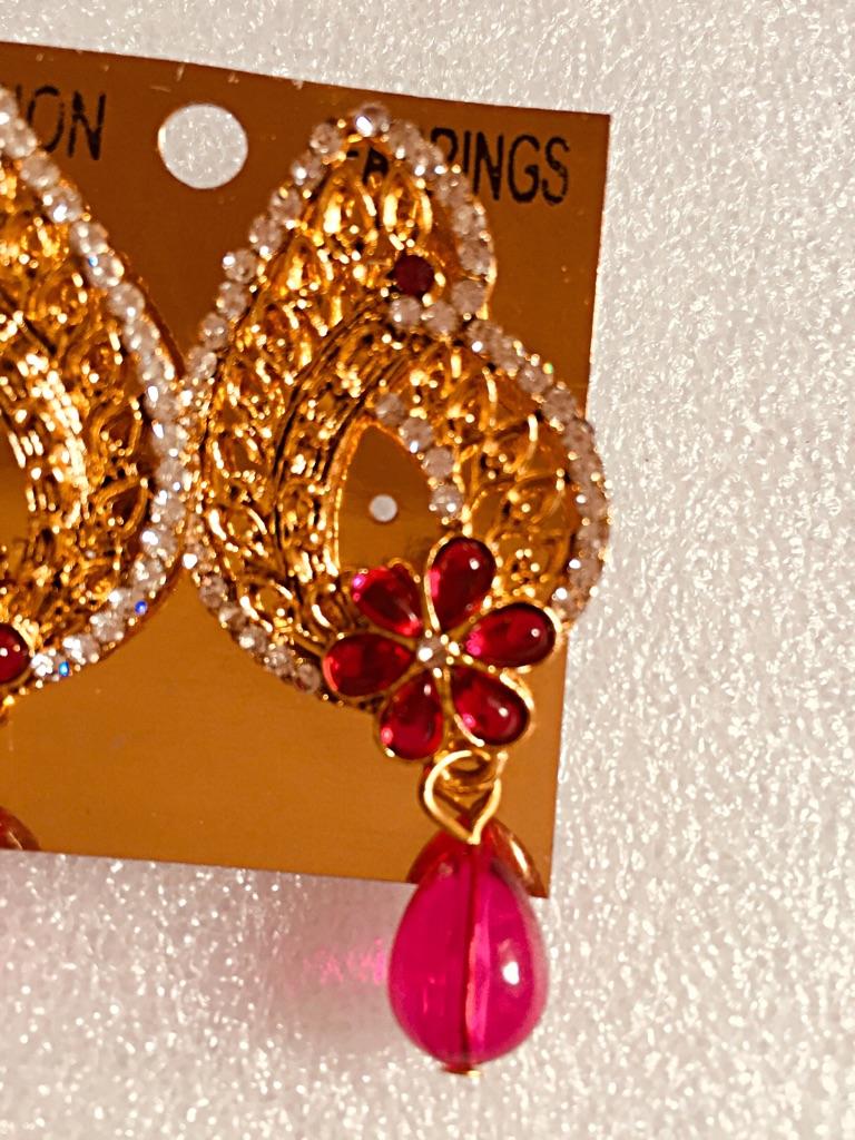 Fashion Earrings.### 4