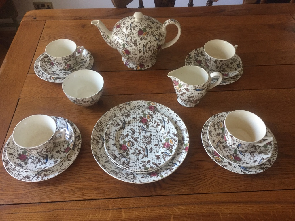 Gaytime Victorian Porcelain Tea set 4