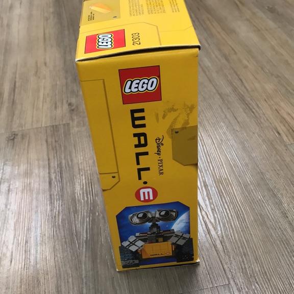 Wall E Lego collection