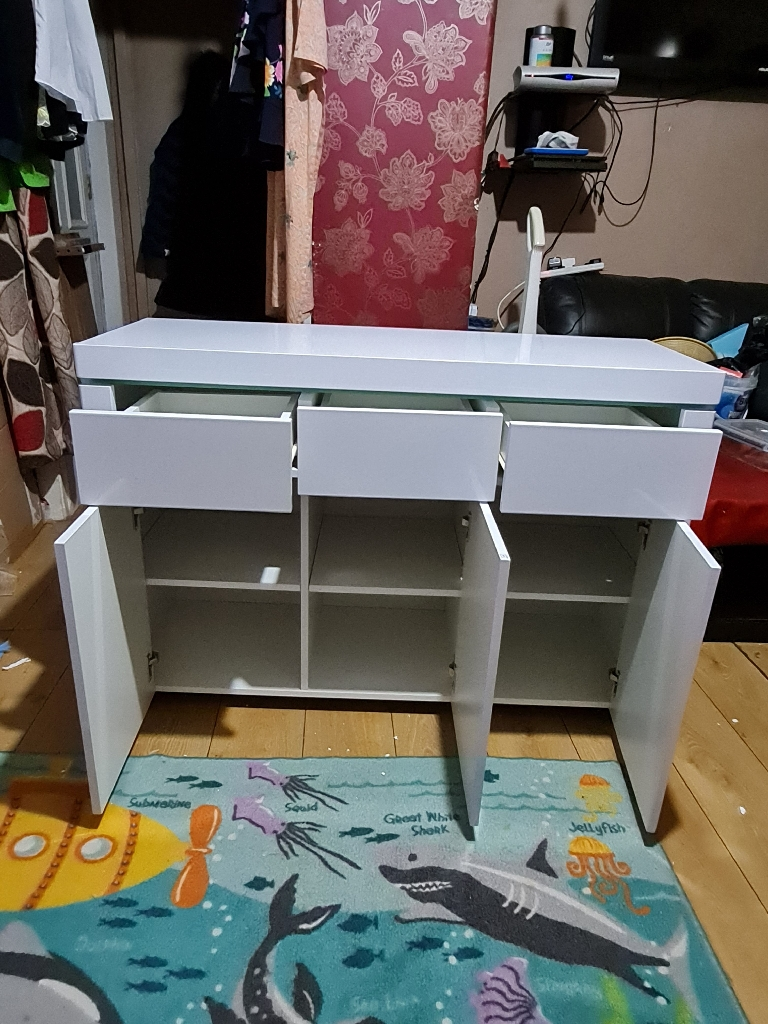 New white unit £225