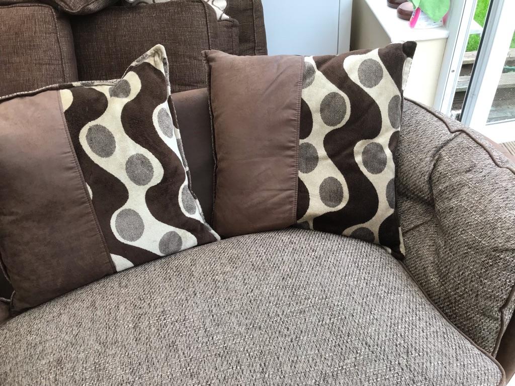 Beautiful two seater ex display snuggle sofa